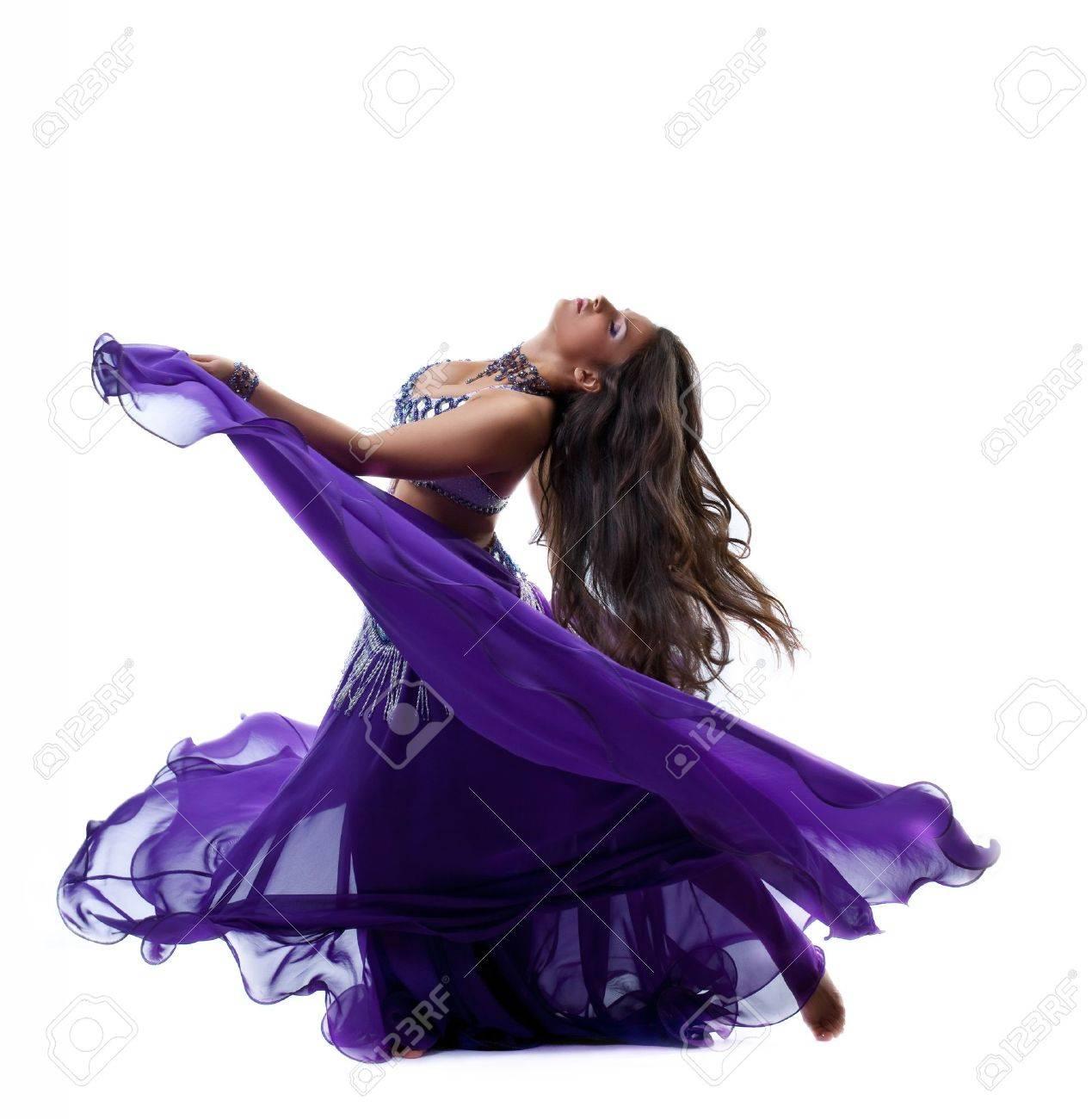 La Belleza De Baile Joven, De Color Morado Traje árabe Oriental Con ...