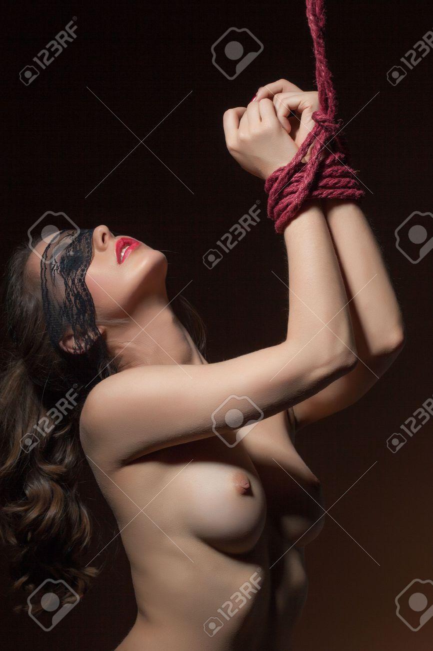 blindfolded-naked-girl-images-sunny-nude-fuckd