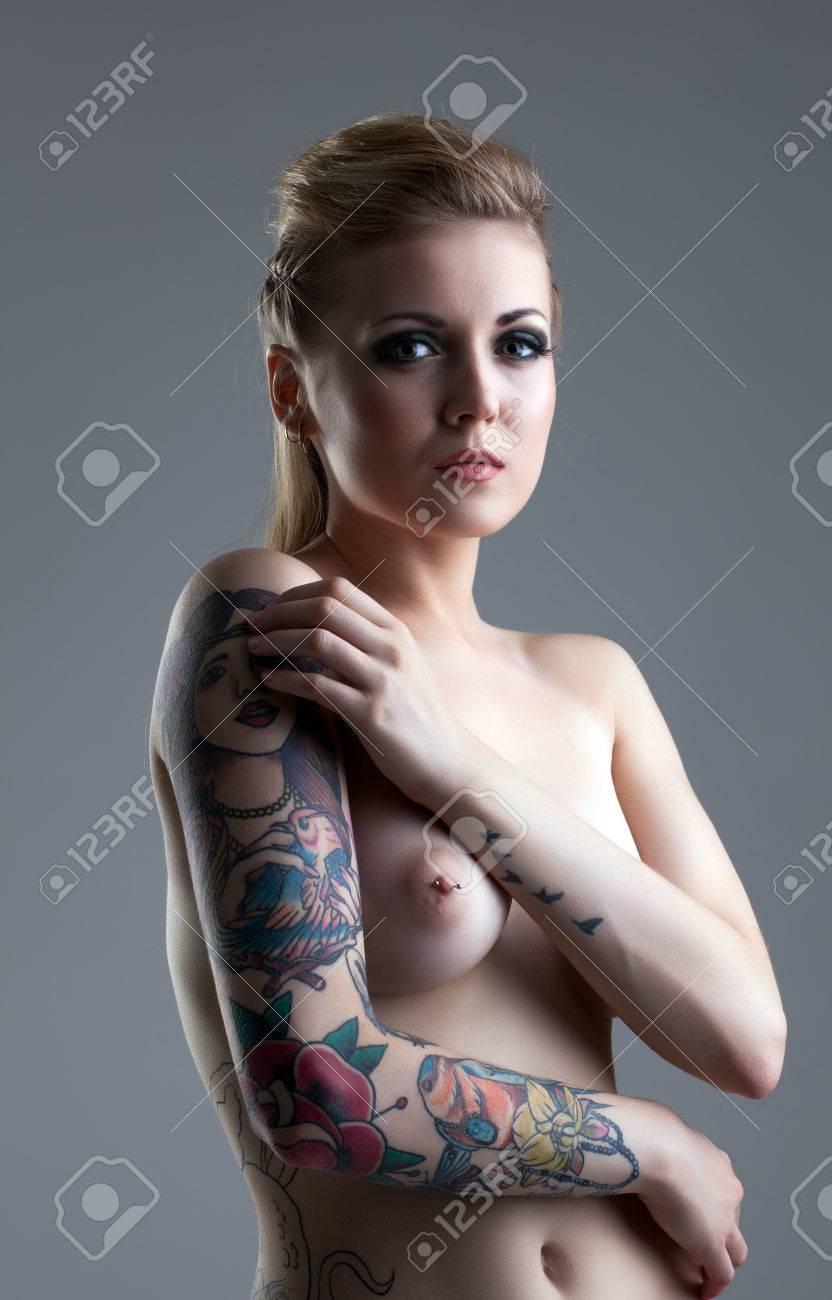 Nackt tätowirte frauen Incest Porn