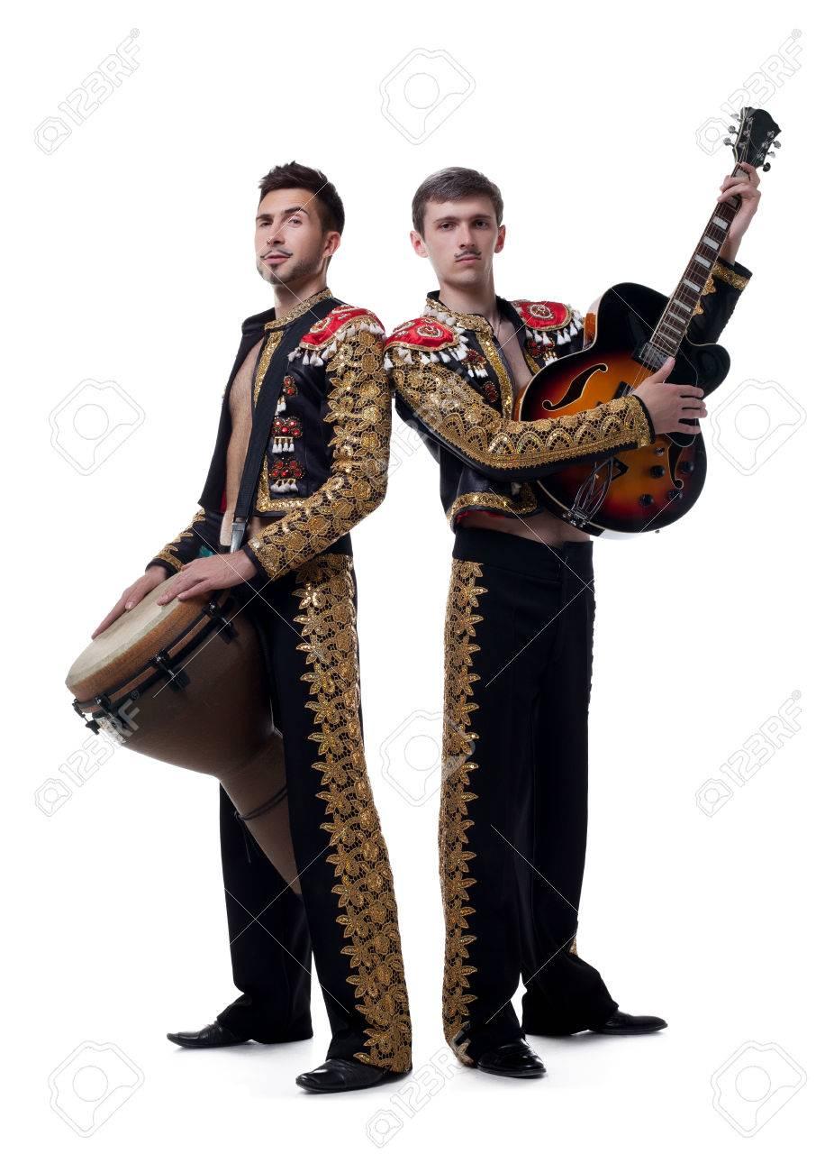 Os reto a poner una foto que supere a esta 2.0 - Página 19 38616151-image-of-handsome-musicians-dressed-as-spanish-macho