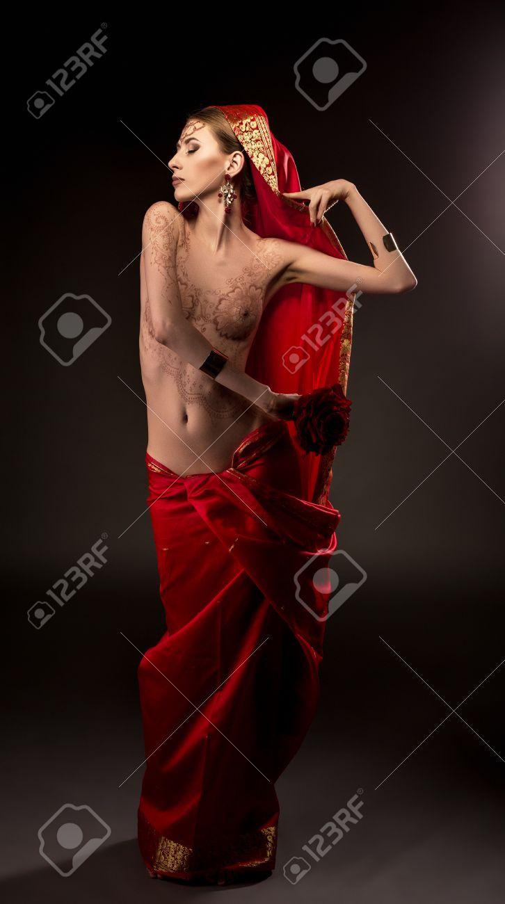 Sexy Art Of Henna Painting On Body Mehndi Beautiful Woman