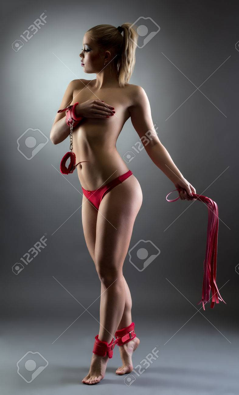 Mädchen im Bikini beim Sex