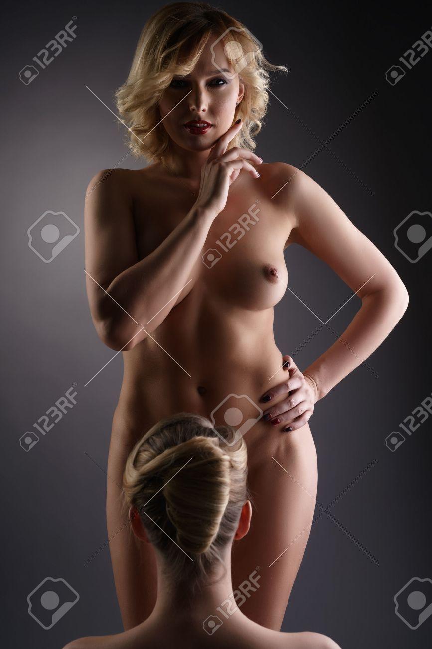sexy nackte blonde lesben