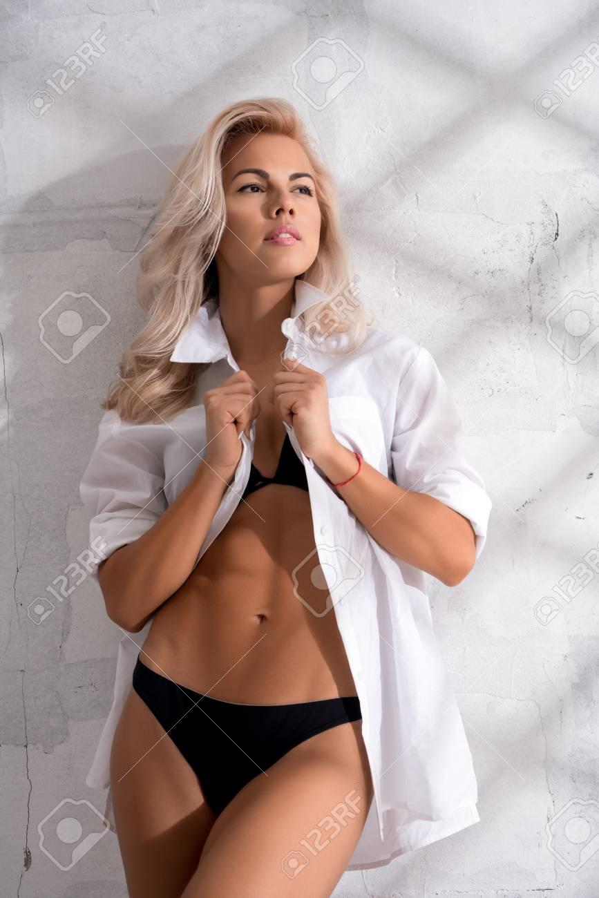 CASANDRA: Sexy latina nude models