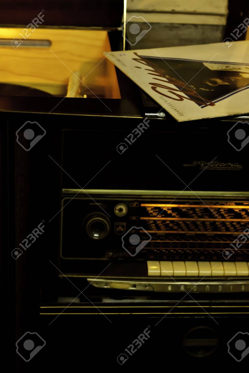 The classic radio tuner console shows the European channels as the choices of aesthetics listening  Stock Photo - 13373105