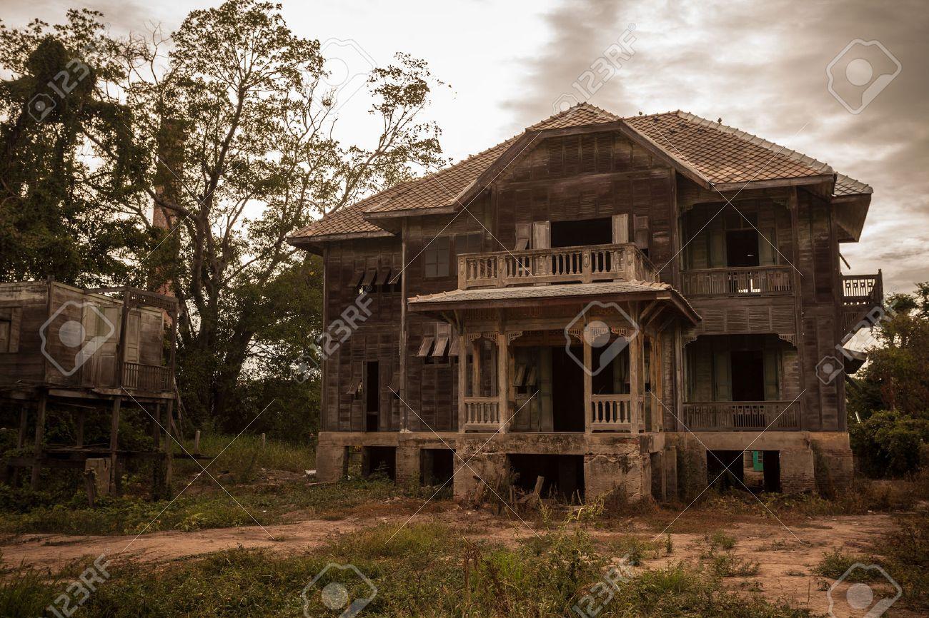 abandoned old house on twilight - 33974515