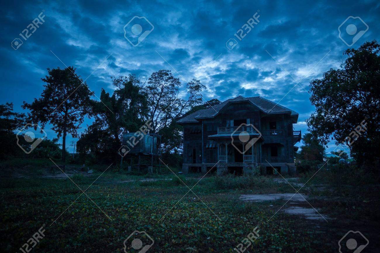 abandoned old house on twilight - 33975037