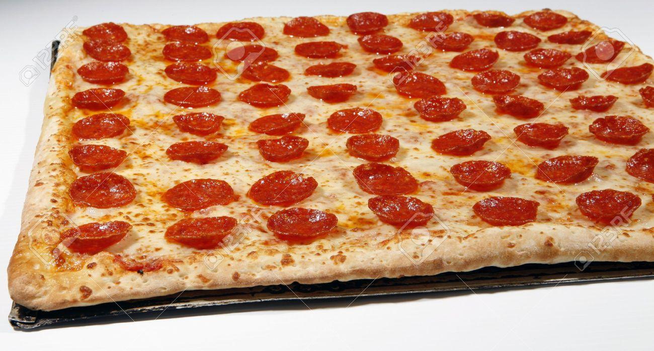 7473523-square-pepperoni-pizza-Stock-Pho