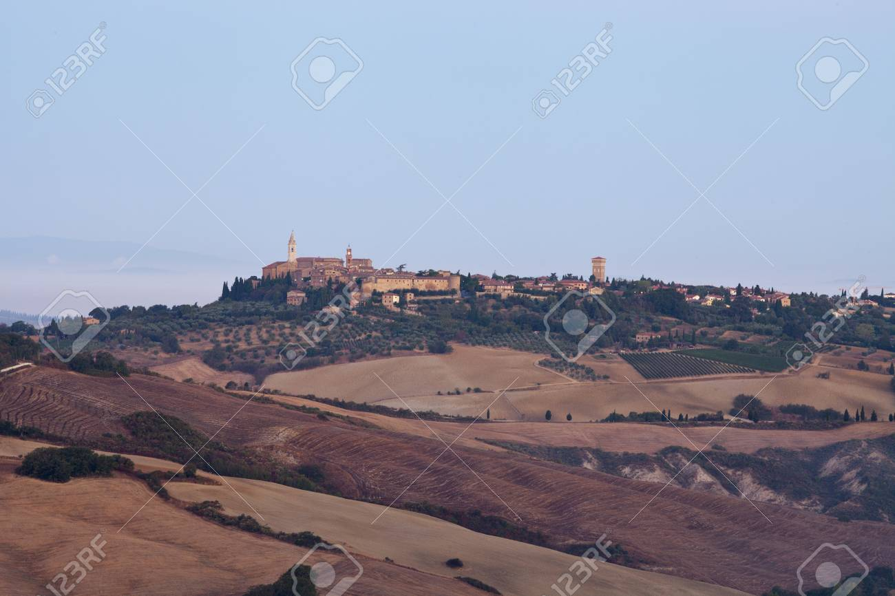 view of Pienza, just after sunrise. Tuscany, Italy Stock Photo - 10682937