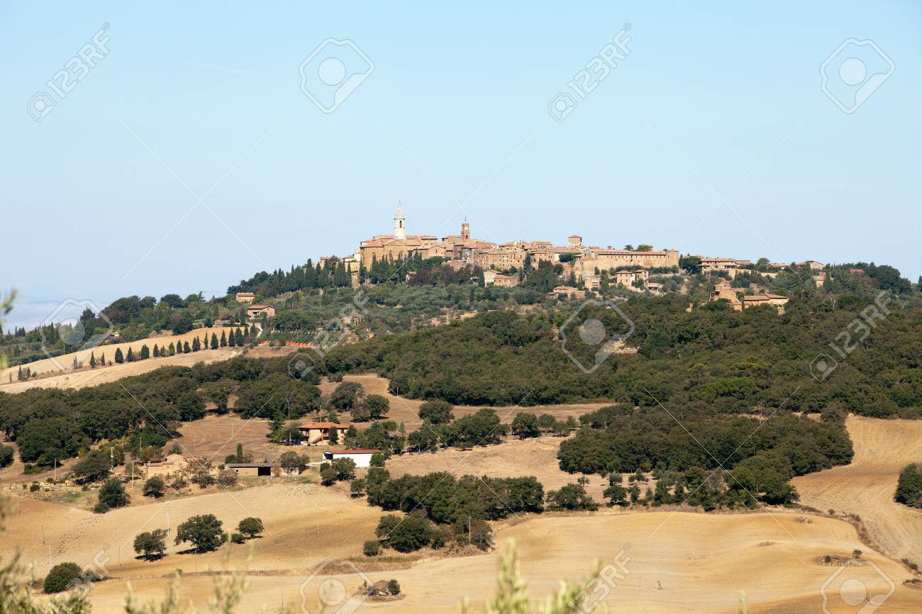 The medieval town of Pienza Stock Photo - 15201661