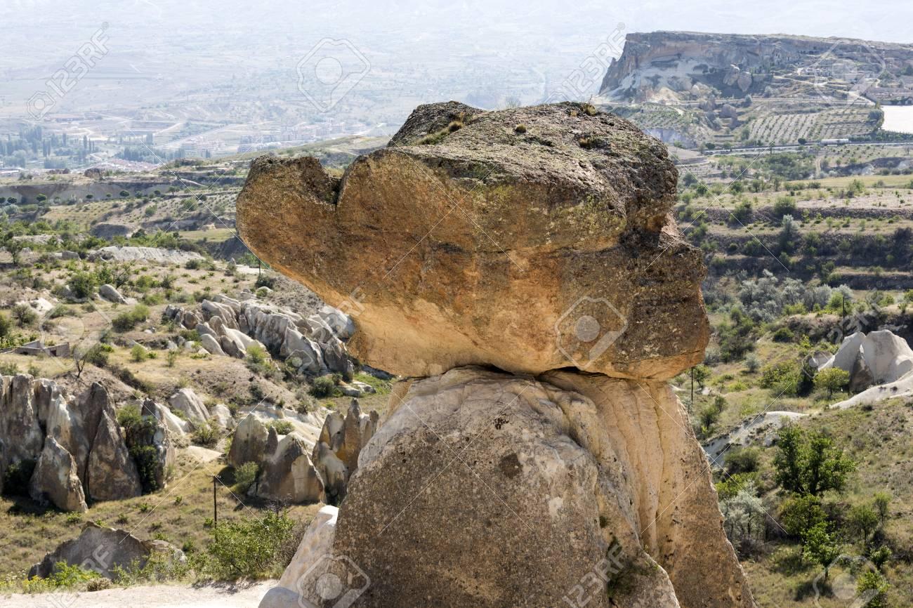 Formations En Pierre Cheminees De Fees De Cappadoce En Turquie