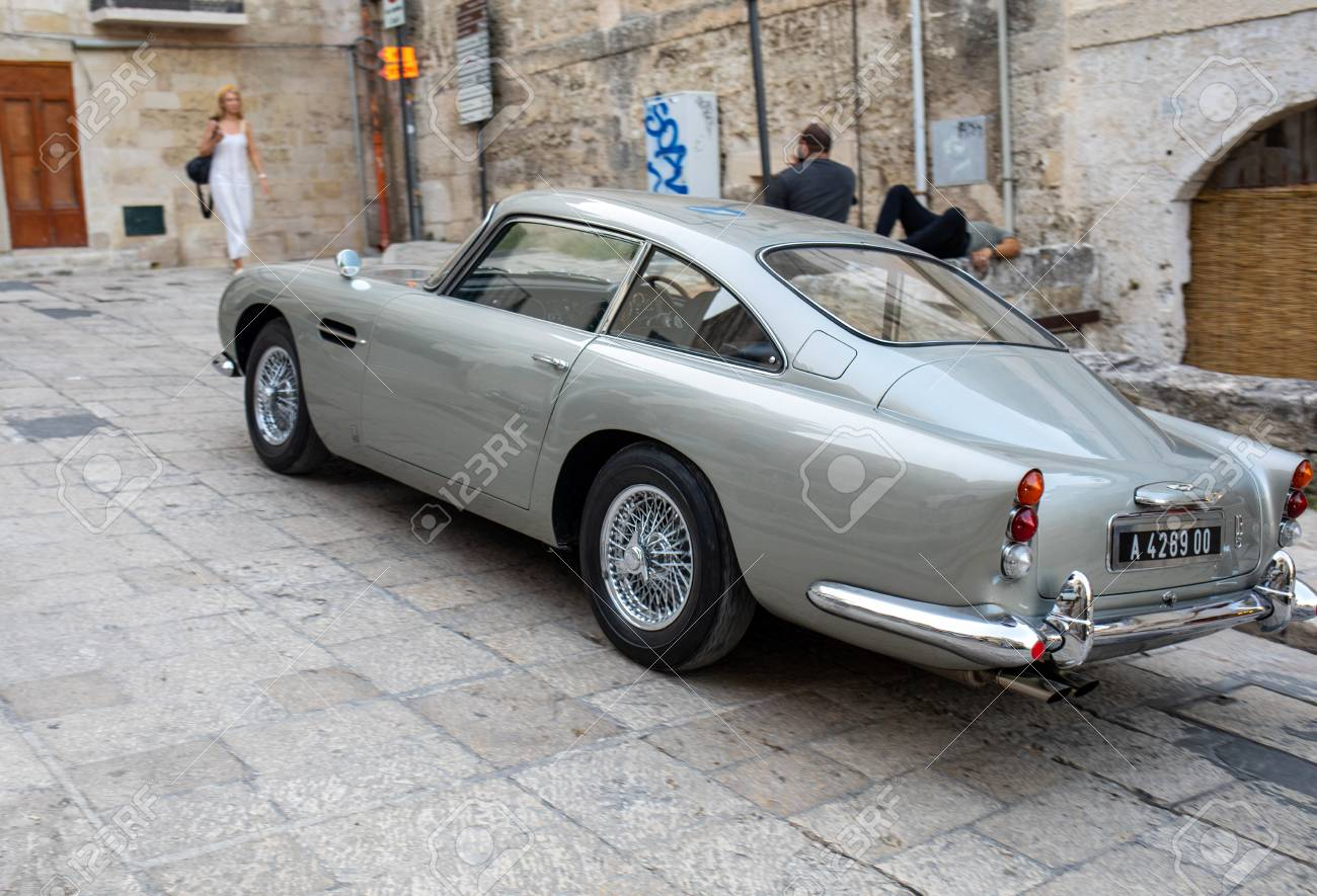 Matera Italy September 17 2019 The Aston Martin Db5 Used On The Set Of The Latest James Bond Movie No Time To Die In Matera Italy Lizenzfreie Fotos Bilder Und Stock Fotografie Image 130700042