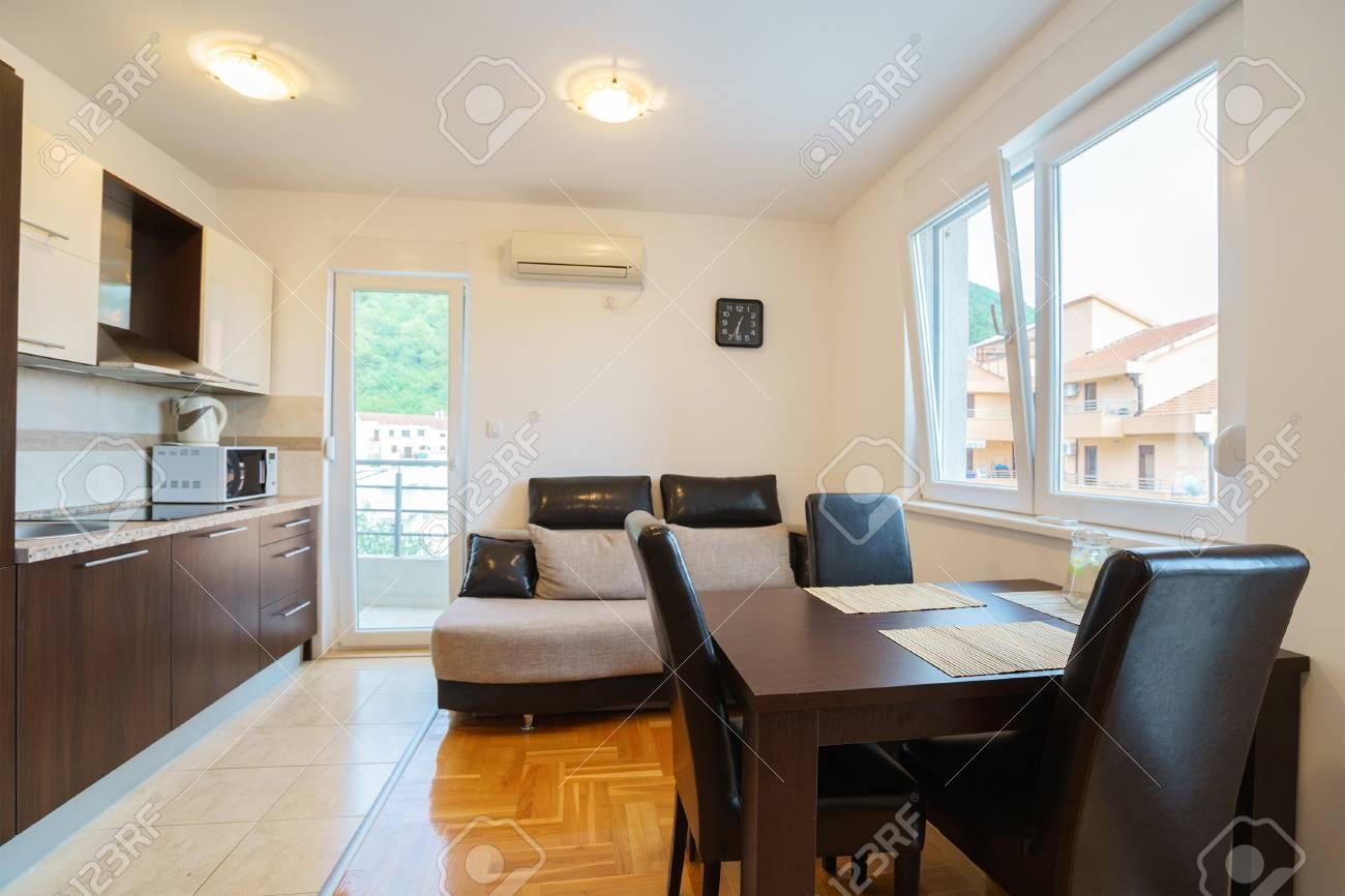 Camera Per Ospiti : Immagini stock interno di una camera per gli ospiti house con