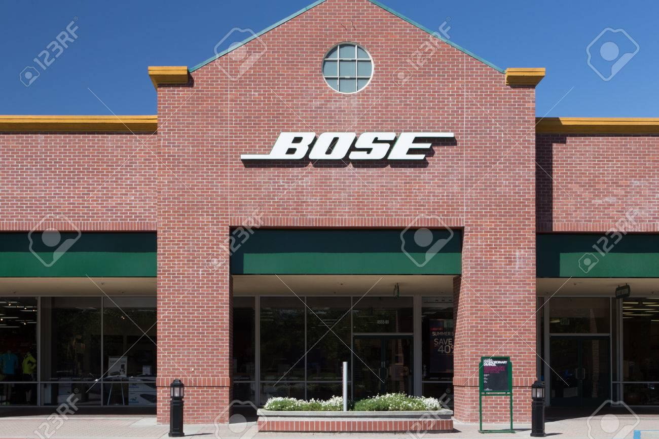 bose usa. gilroy, ca/usa - may 26, 2014: bose store exterior. usa t