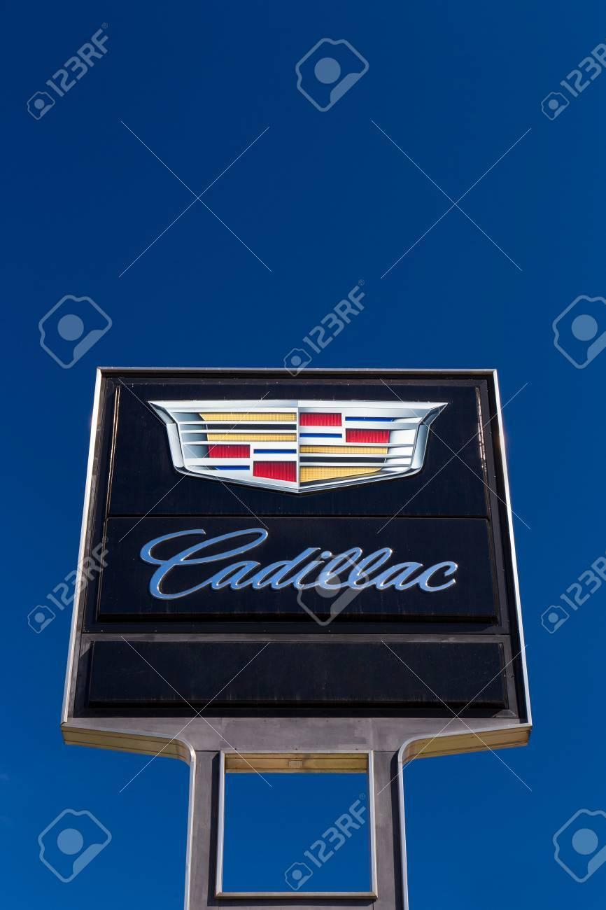 Pasadena Ca Usa October 25 2014 Cadillac Sign And Logo Stock
