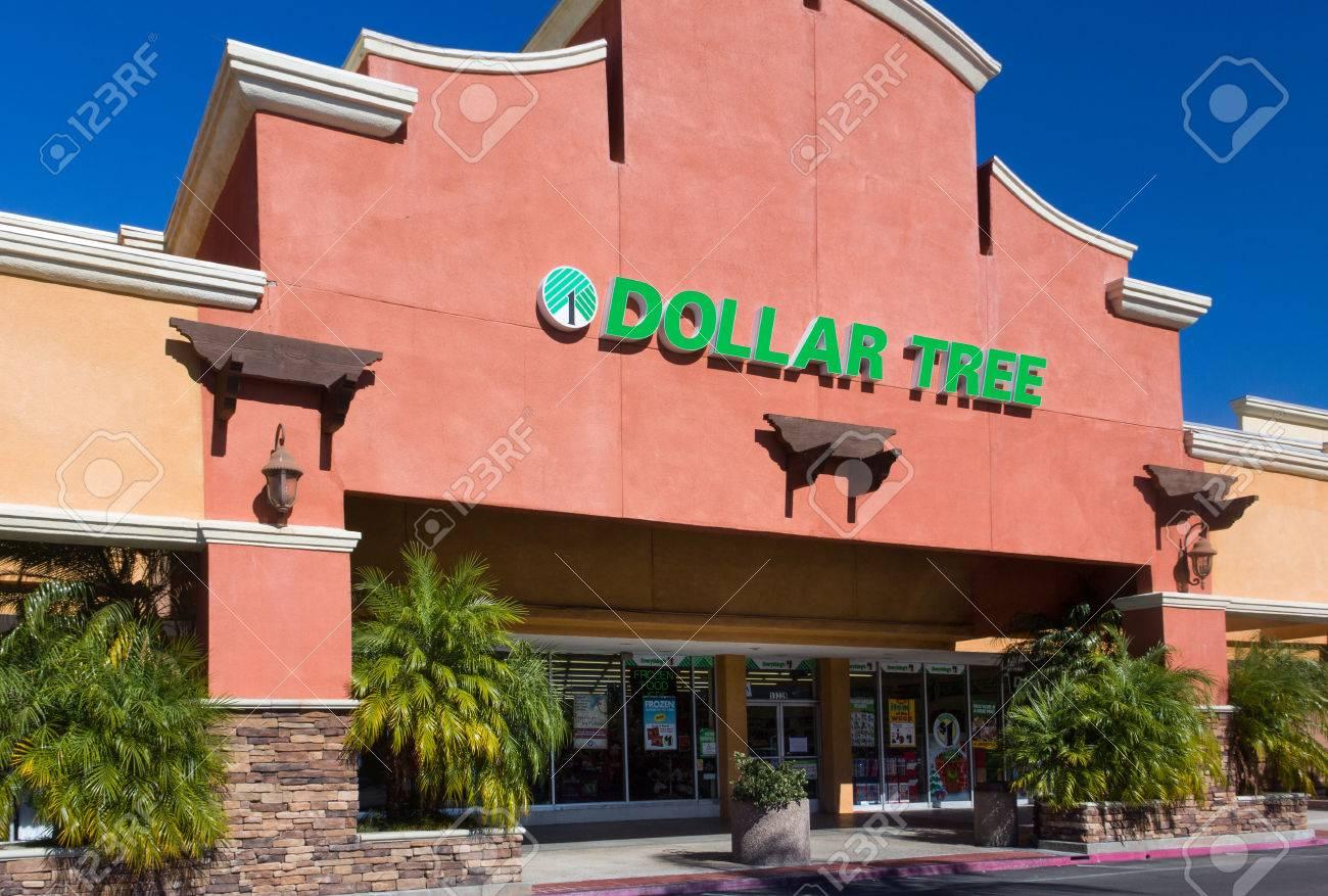 SANTA CLARITA, CA/USA - NOVEMBER 2, 2014: Dollar Tree retail