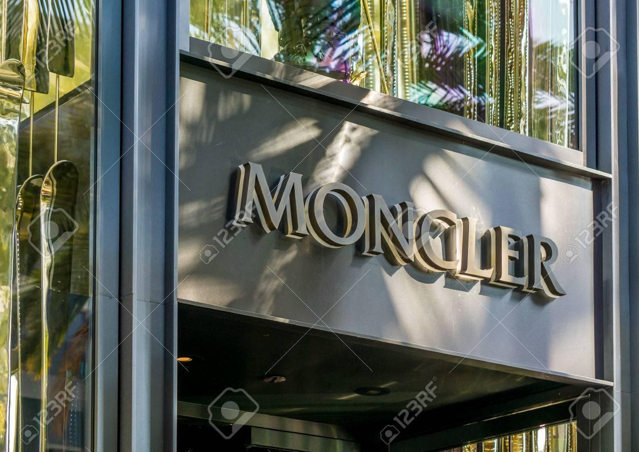 magasin moncler