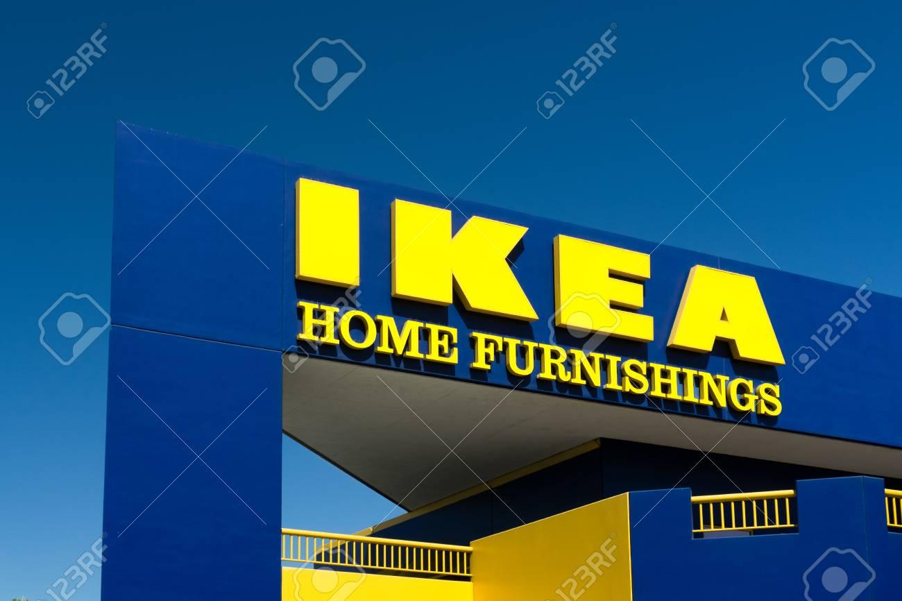 Burbank, CA / USA - 19. September 2015: Ikea Außen. Ikea Ist Ein ...