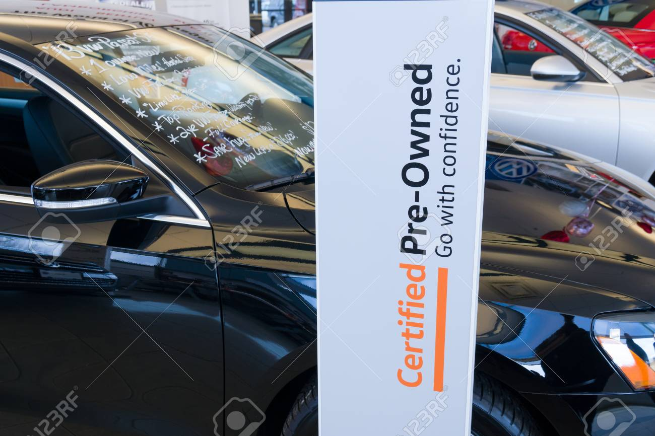 Vw Dealership Mn >> St Louis Park Mn Usa February 17 2018 Volkswagen Dealership