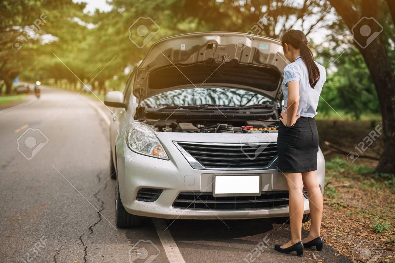 Car Broke Down >> Attractive Brunette In Front Of Her Car Broken Down Car