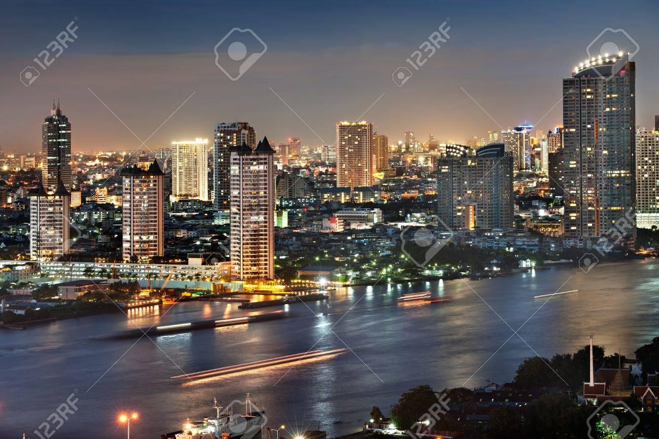 Bangkok city at twilight Stock Photo - 11399304