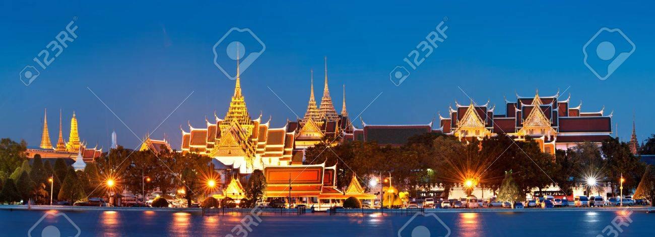 Grand palace at night in Bangkok, Thailand - 11722400
