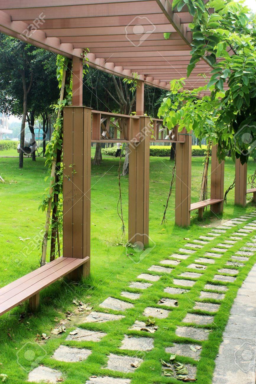 arc corridor in park - 10499595