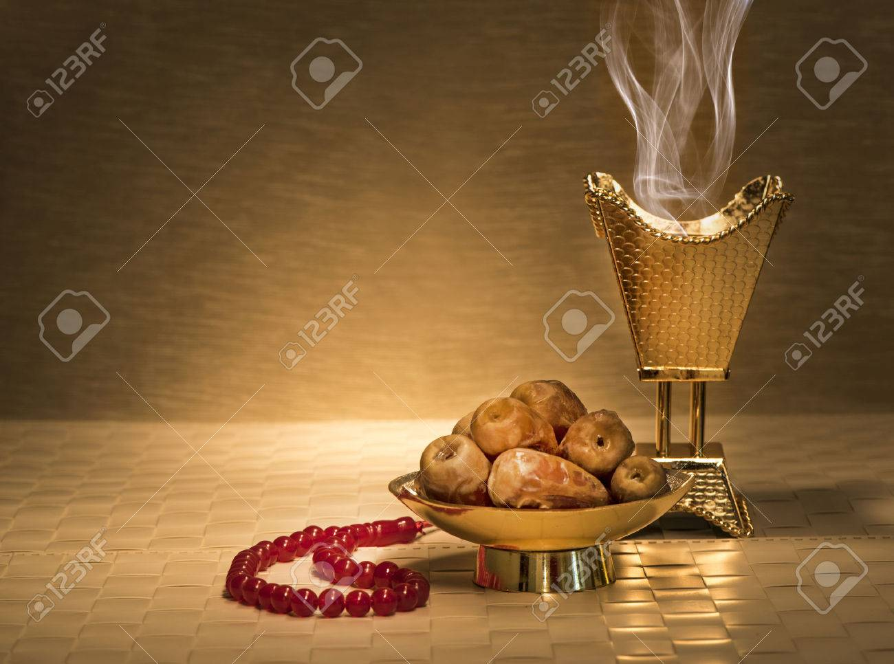 Ramadan dates with censer and rosary - 55601343