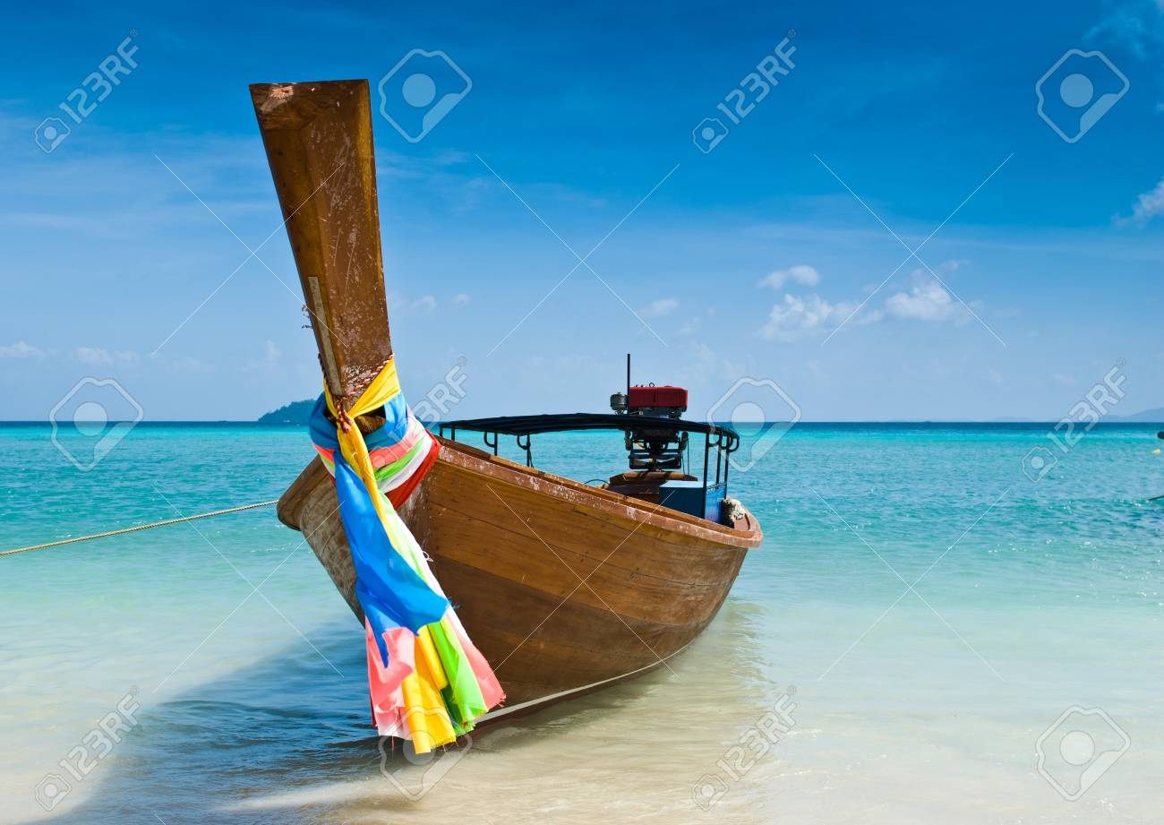 Long tailed boat at Phiphi island, Thailand Stock Photo - 9605736