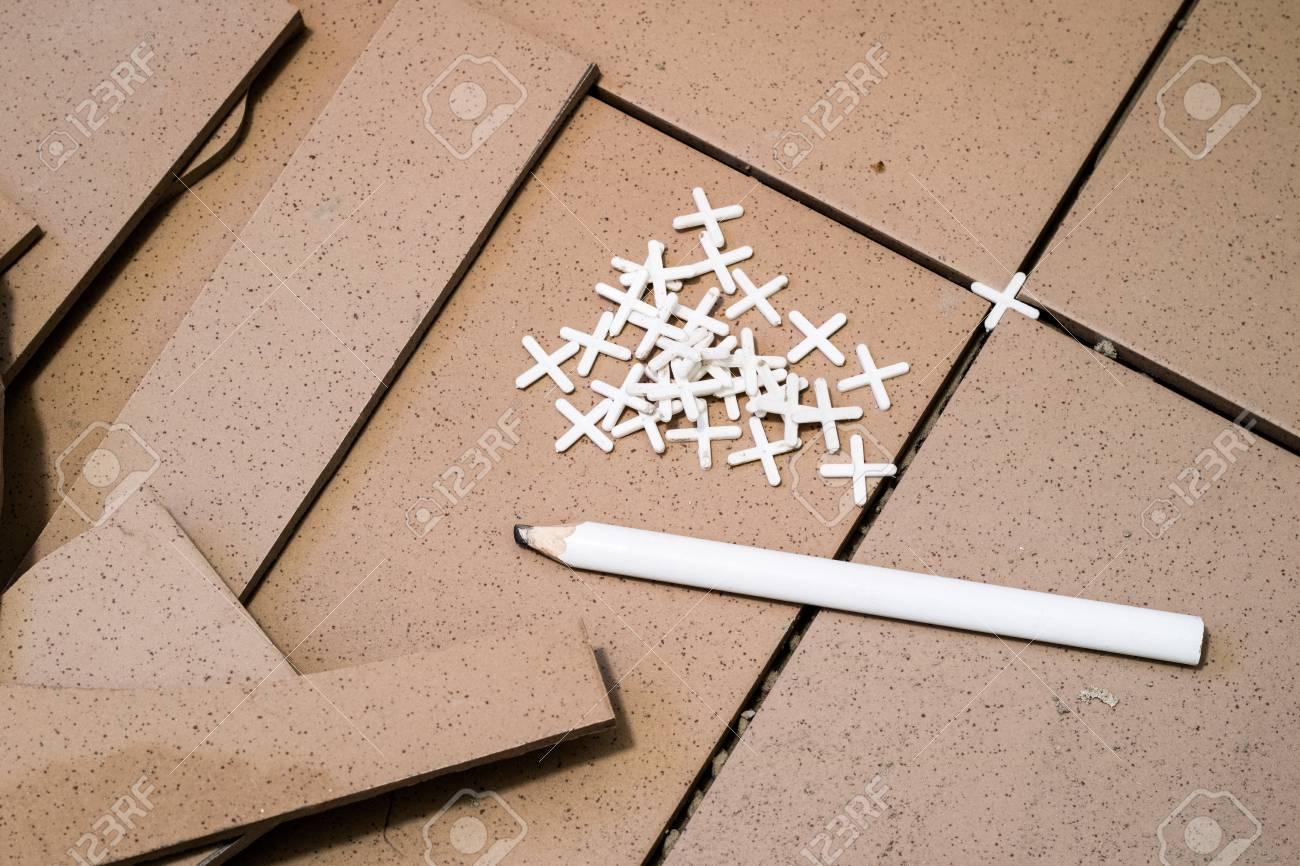 Piastrelle rifilatura delle piastrelle dosatura e taglio