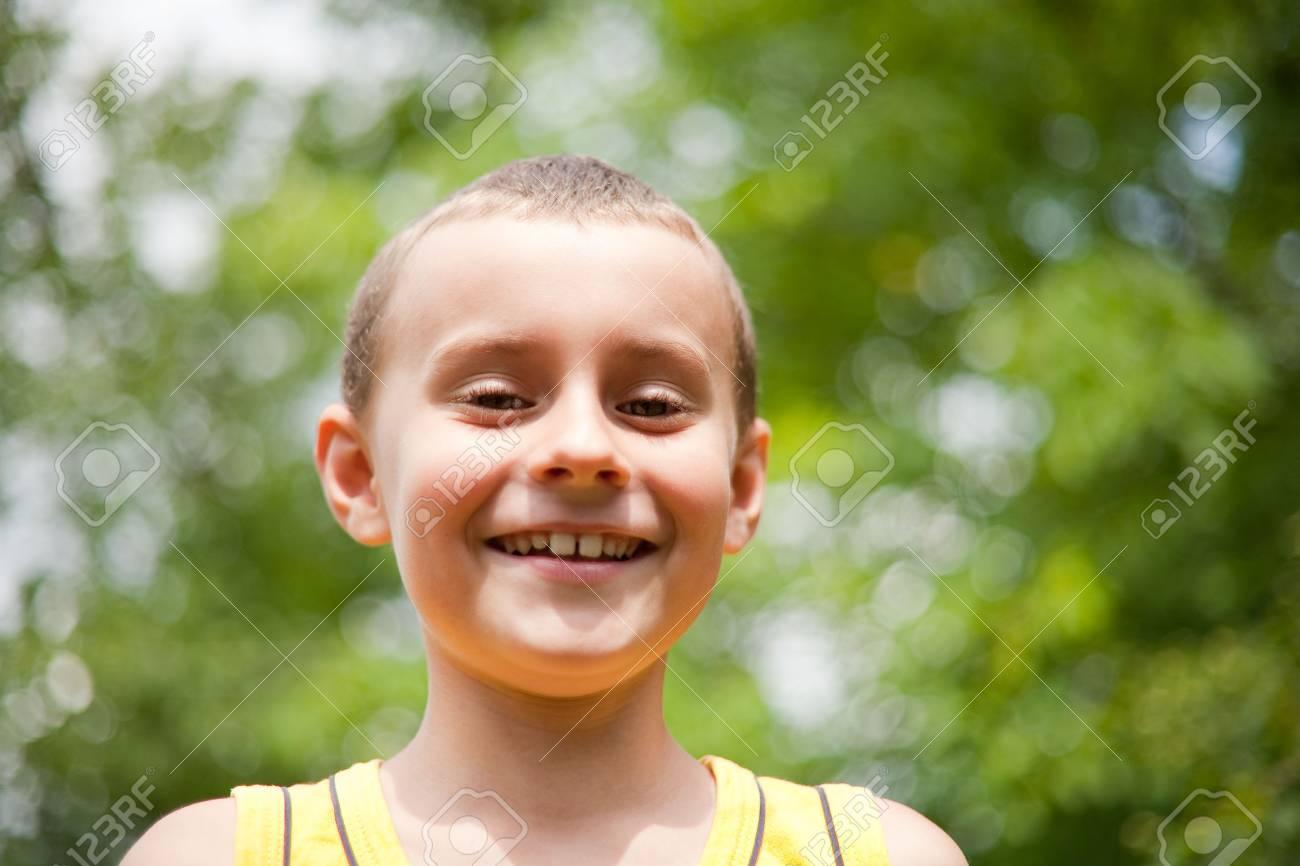 Cute kid having fun outdoors Stock Photo - 5188513