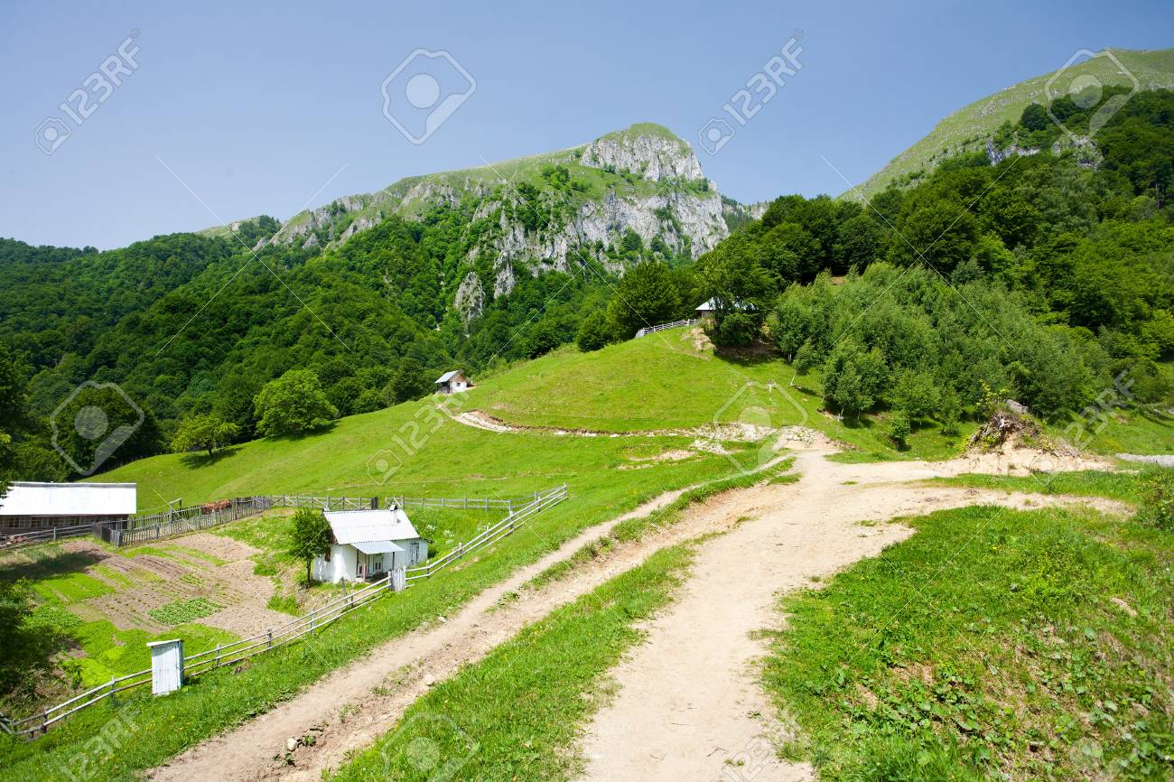 Landscape with village houses on mountains Stock Photo - 7252907