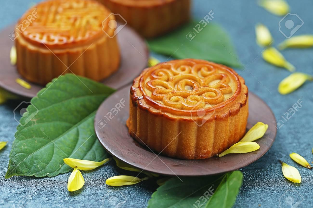 Mid-Autumn Festival moon cake - 60476843