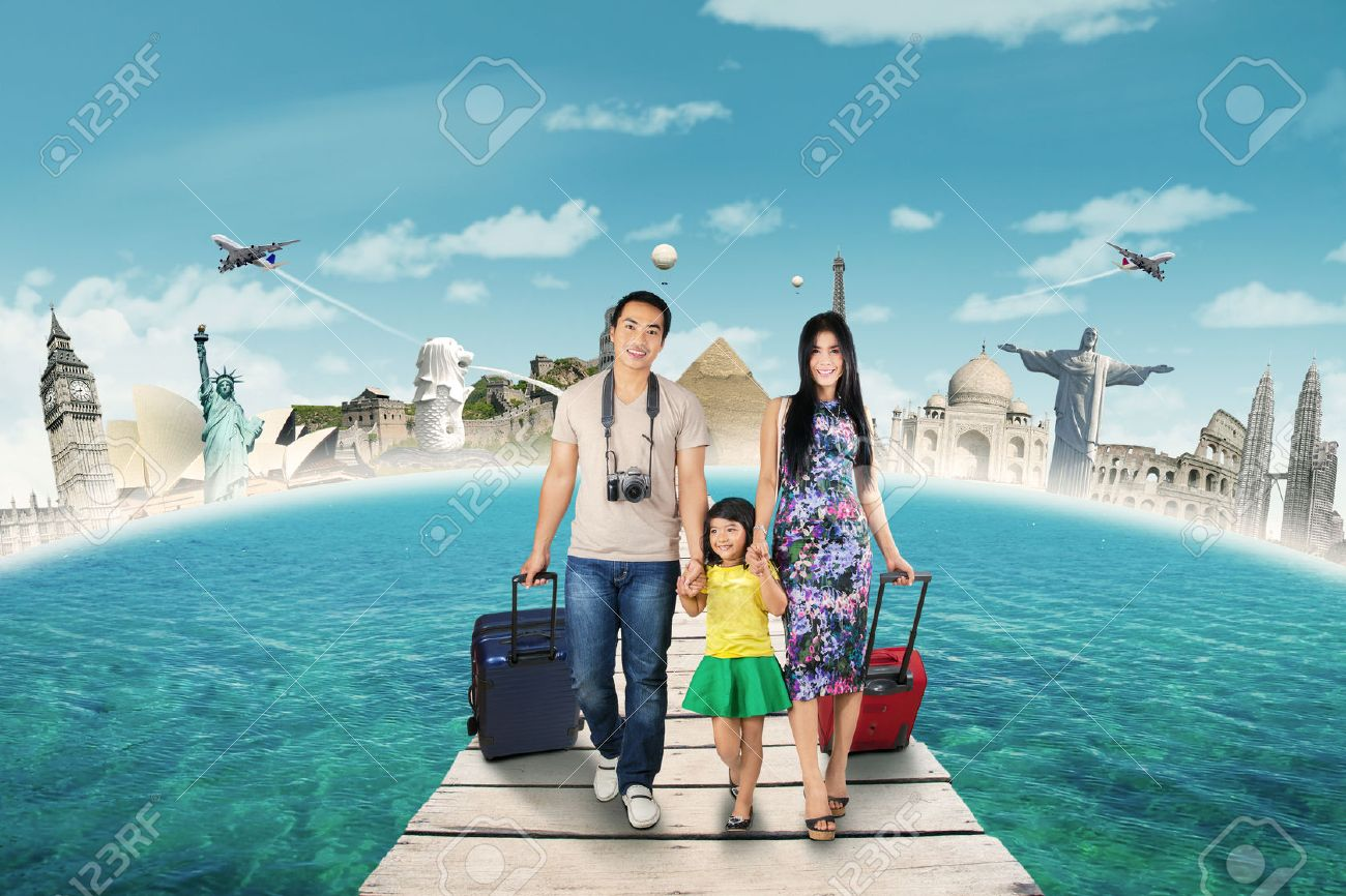 Concept of travelling to the world monument with happy family walking on the bridge and the world monument background Stock Photo - 42874332