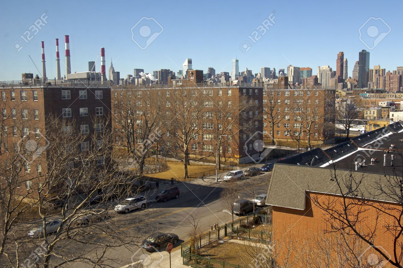 typical street in queens with nyc skyline stock photo picture and