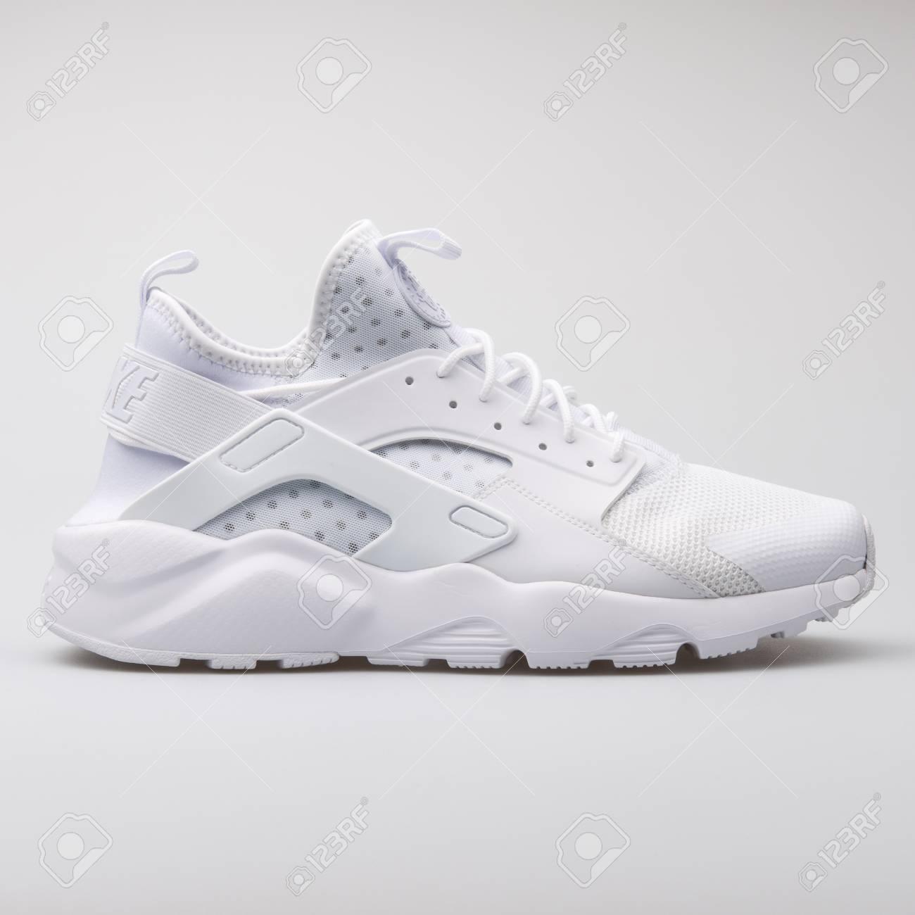 nike huarache ultra white