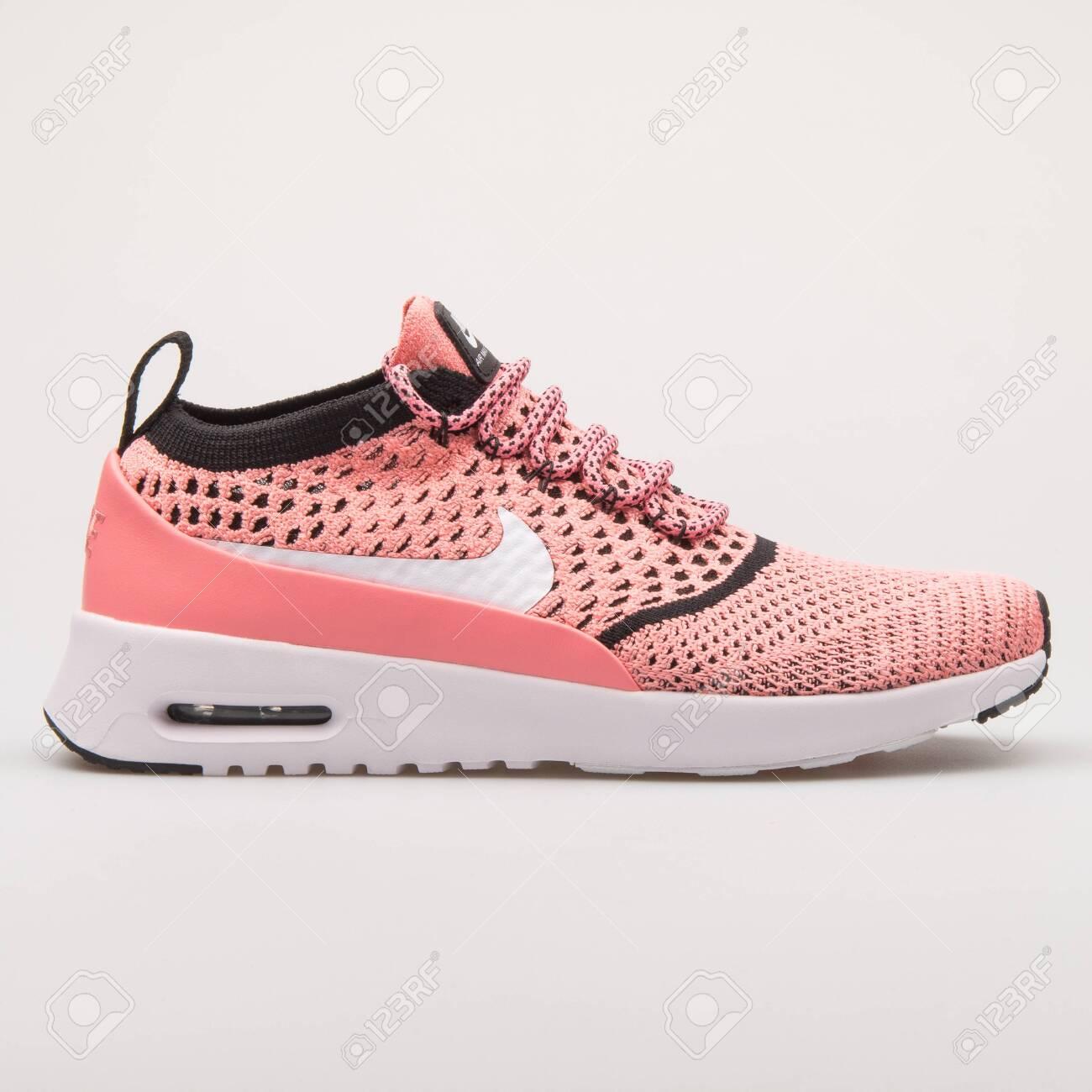 Donde comprar más vendido pensamientos sobre VIENNA, AUSTRIA - AUGUST 23, 2017: Nike Air Max Thea Ultra Flyknit ...