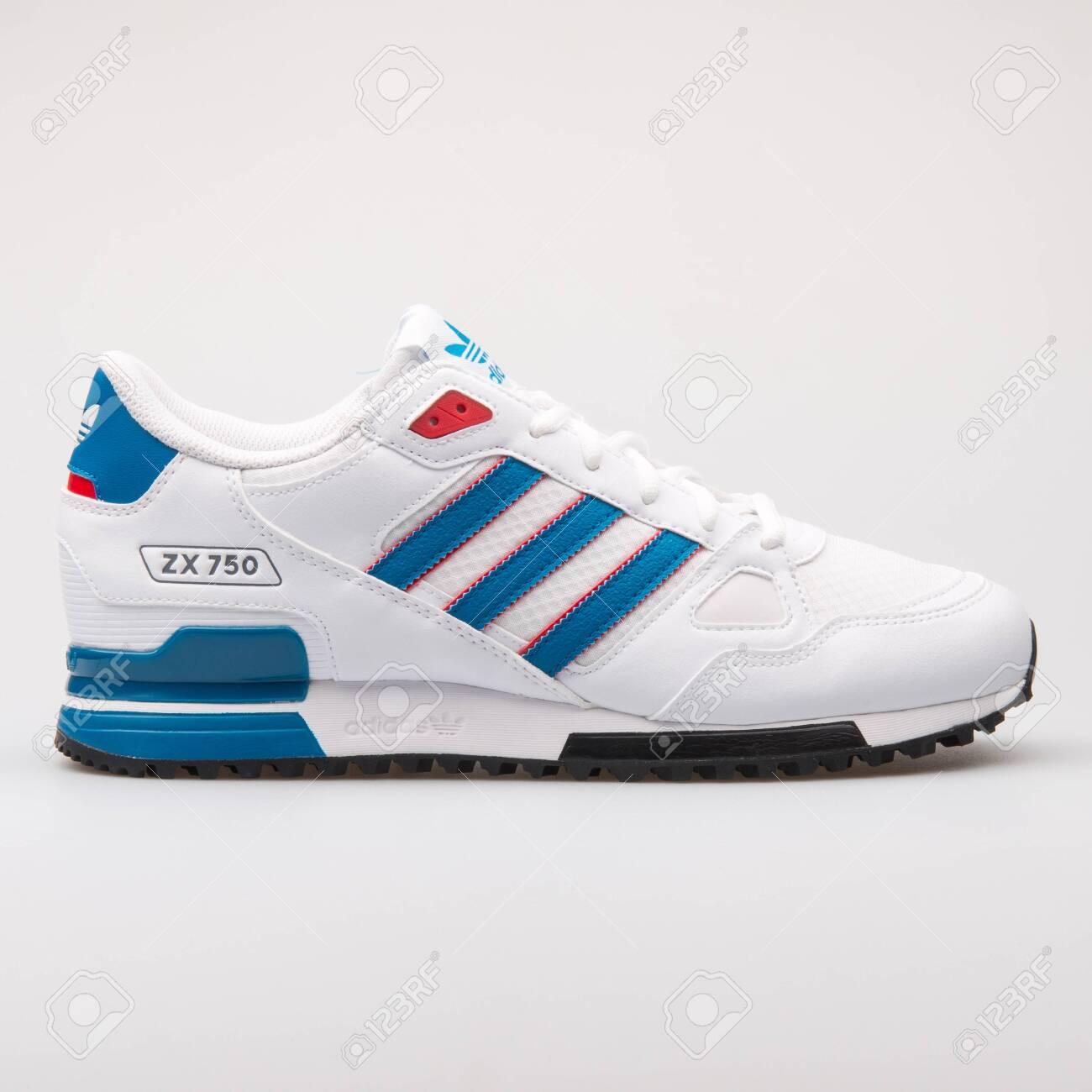prezzo moderato comprare on line speciale per scarpa VIENNA, AUSTRIA - AUGUST 23, 2017: Adidas ZX 750 white and blue..