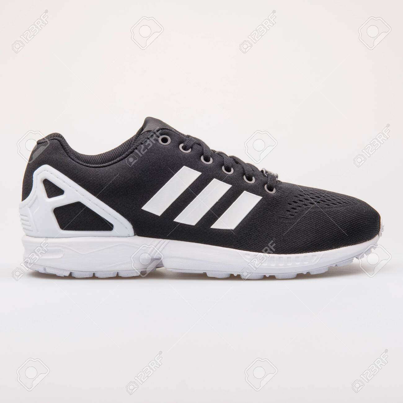 Adidas ZX Flux EM Black And.. Stock