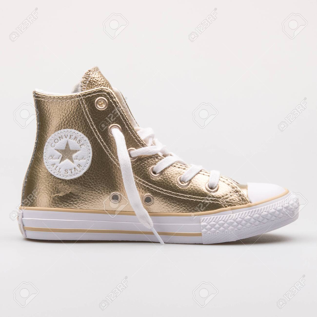 converse light gold