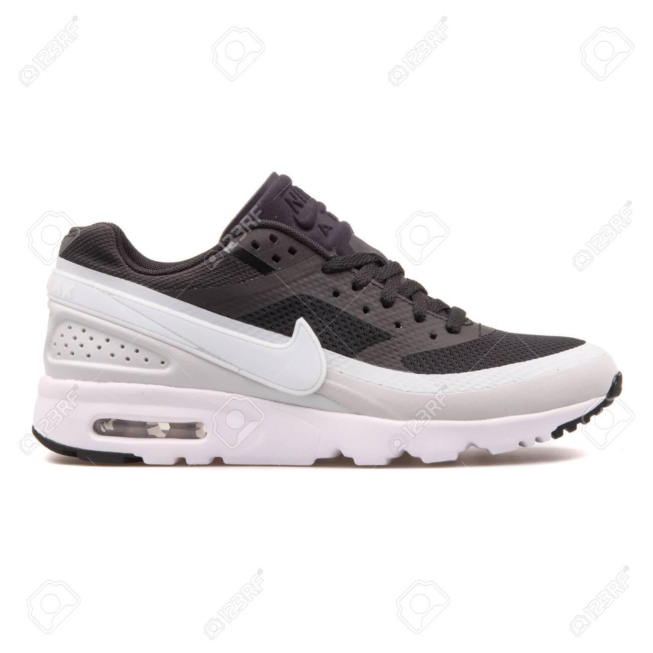 Nike Air Max BW Ultra Black.. Stock