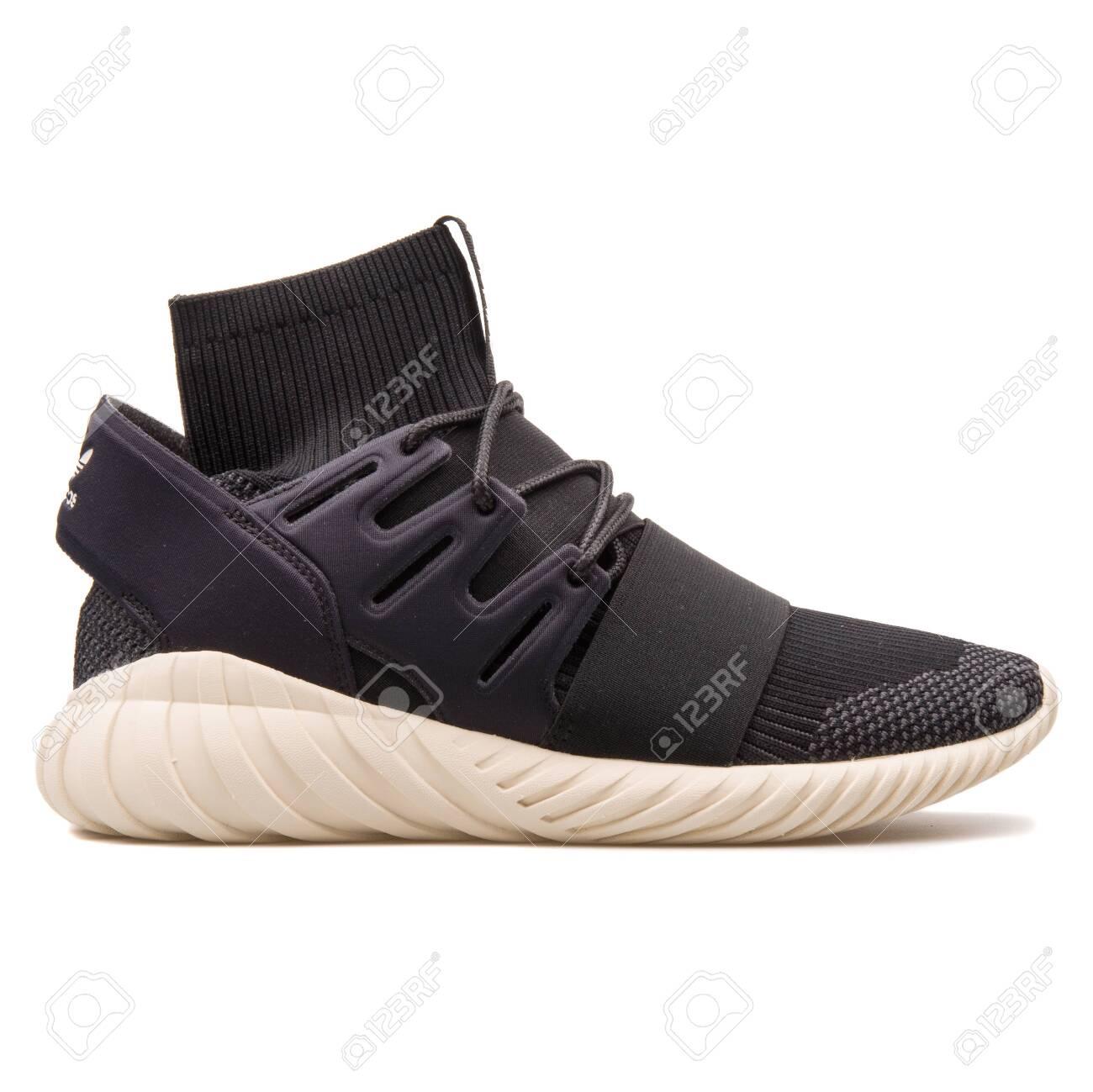 Adidas Tubular Doom PK Black.. Stock