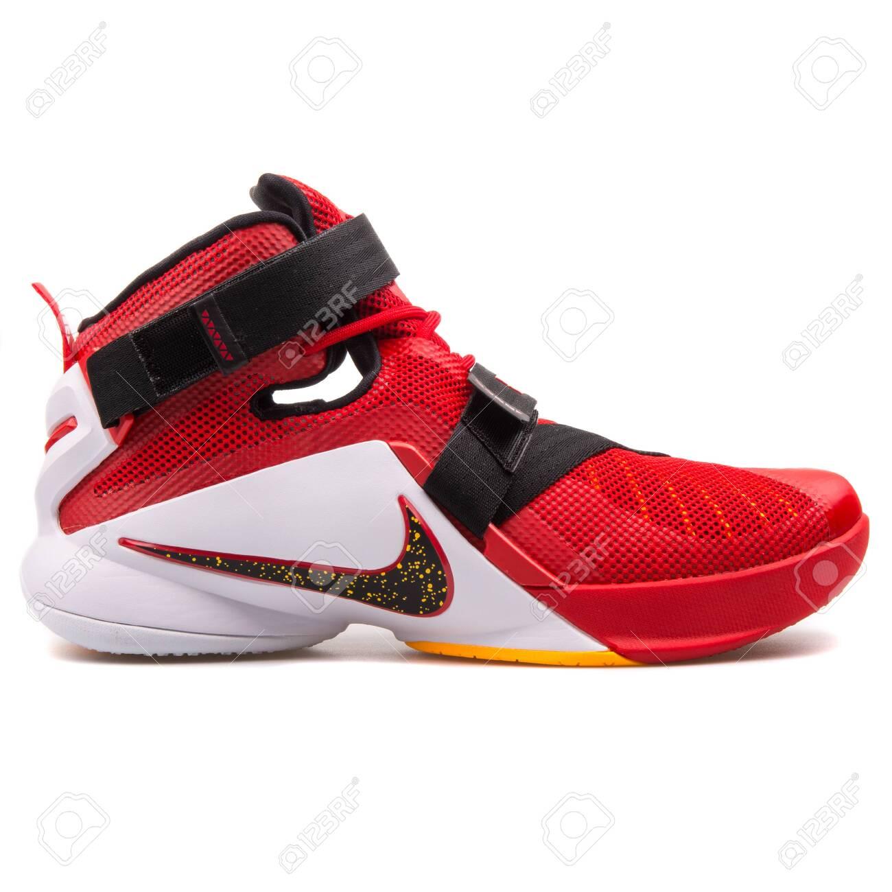 2017: Nike Lebron Soldier IX Red