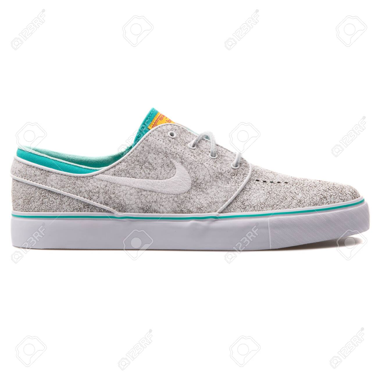 distorsionar mensaje flexible  VIENNA, AUSTRIA - AUGUST 25, 2017: Nike Zoom Stefan Janoski Elite.. Stock  Photo, Picture And Royalty Free Image. Image 127889946.