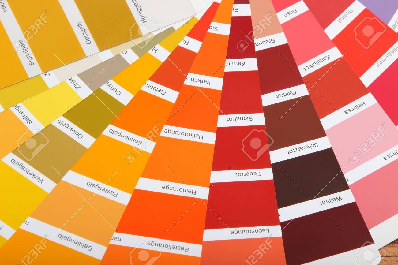 Sammlung Von Ral Farben Auf Holzernen Hintergrund Buntes Papier