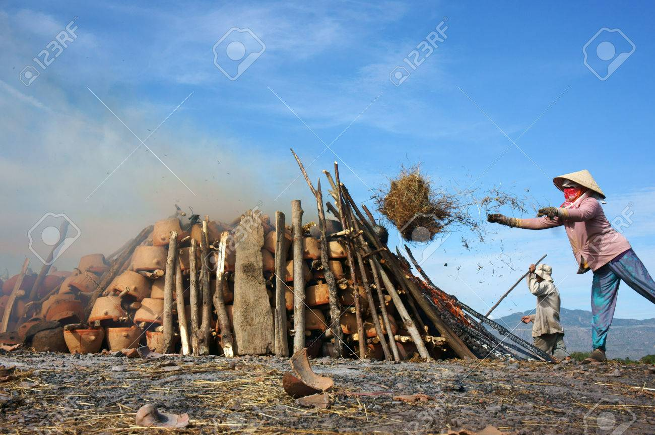 Pottery are hearth for cooking, people arrangement one dry wood layer and one pottery layer, then burn them, woman throw rice traw to make flare up, they are Khomer people. February 3, 2013