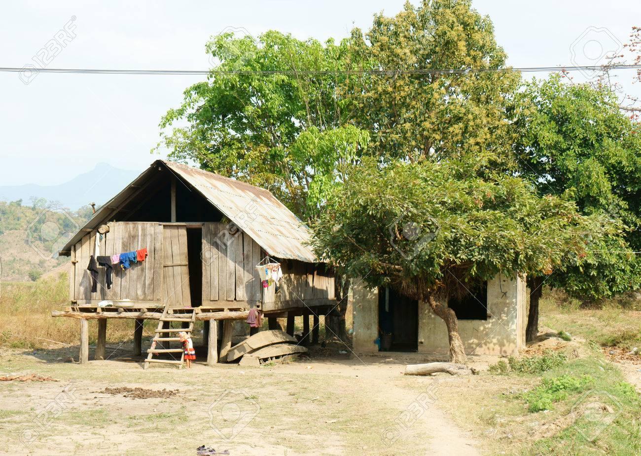 Schön Haus Auf Stelzen Ideen Von Standard-bild - Vietnamesisch Ländlichen In Buon Me