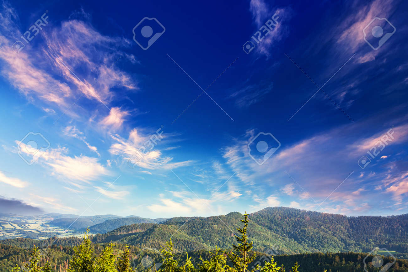 sky and mountains, nature landscape, clean air - 172447178