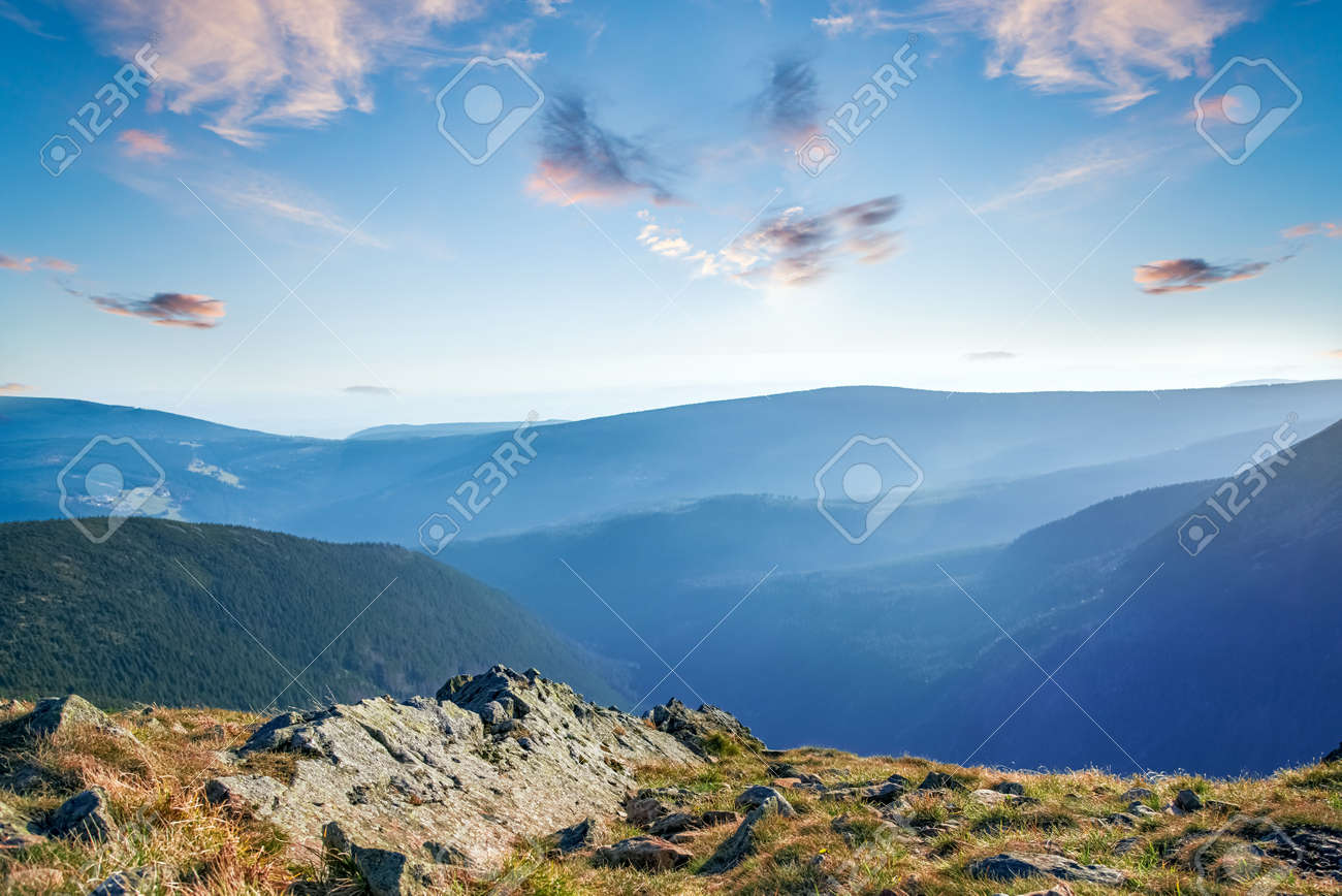 sky and mountains, nature landscape, clean air - 172447181