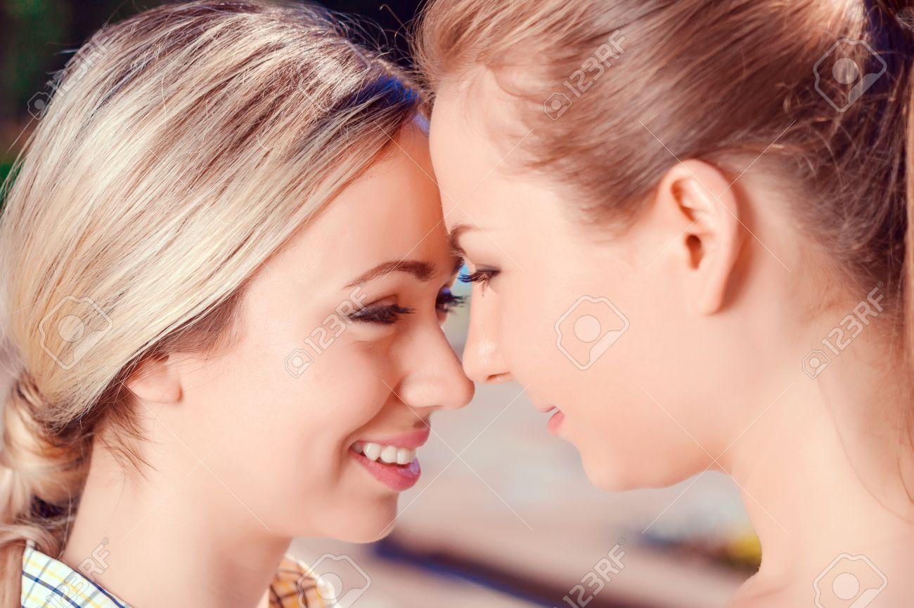 Free close up lesbian